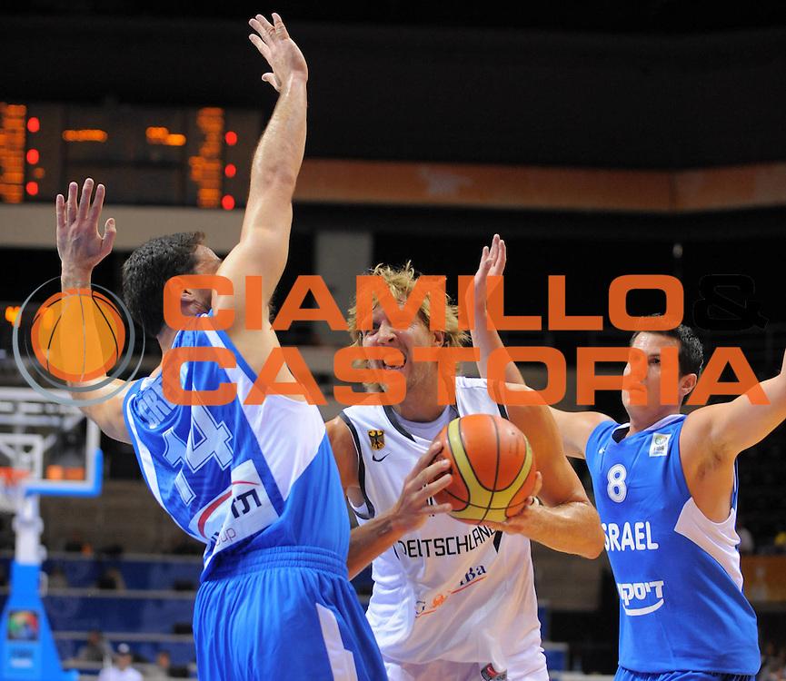 DESCRIZIONE : Siauliai Lithuania Lituania Eurobasket Men 2011 Preliminary Round Germania Israele Germany Israel<br /> GIOCATORE : Dirk Nowitzki<br /> SQUADRA : Germania Germany<br /> EVENTO : Eurobasket Men 201a<br /> GARA : Germania Israele Germany Israel<br /> DATA : 31/08/2011 <br /> CATEGORIA : penetrazione<br /> SPORT : Pallacanestro <br /> AUTORE : Agenzia Ciamillo-Castoria/T.Wiedensholer<br /> Galleria : Eurobasket Men 2011 <br /> Fotonotizia : Siauliai Lithuania Lituania Eurobasket Men 2011 Preliminary Round Germania Israele Germany Israel<br /> Predefinita :