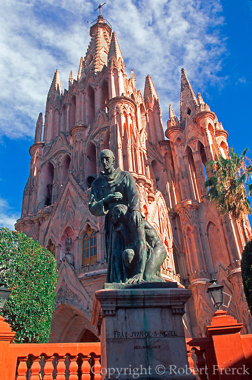 MEXICO, COLONIAL CITIES San Miguel Allende, Parroquia Church