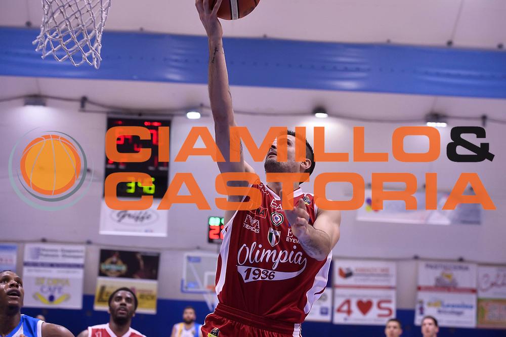 Andrea Cinciarini <br /> Betaland Capo D'Orlando - EA7 Emporio Armani Olimpia Milano<br /> Playoff Gara 4<br /> Lega Basket 2016/2017<br /> Capo D'Orlando 18/05/2017<br /> Foto Ciamillo-Castoria