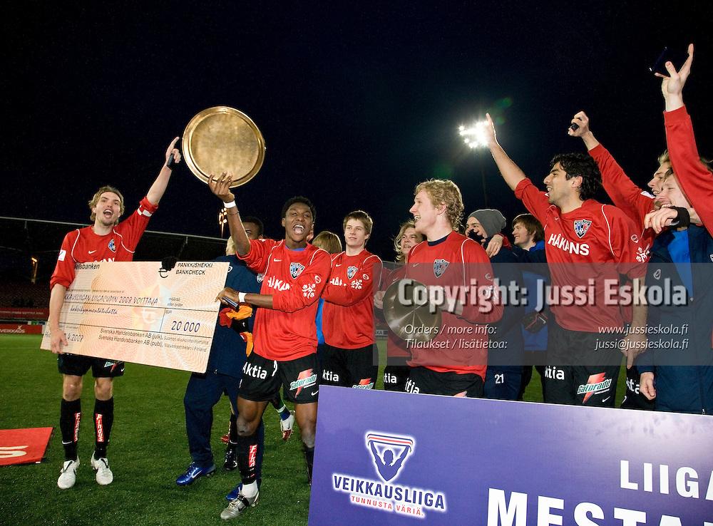 Inter juhlii liigacupin voittoa. Liigacupin finaali. TPS ? Inter. Helsinki. 12.4.2008. Photo: Jussi Eskola