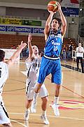 DESCRIZIONE : Trento Torneo Internazionale Maschile Trentino Cup Italia Nuova Zelanda  Italy New Zeland<br /> GIOCATORE : Luca Vitali<br /> SQUADRA : Italia Italy<br /> EVENTO : Raduno Collegiale Nazionale Maschile <br /> GARA : Italia Nuova Zelanda Italy New Zeland<br /> DATA : 26/07/2009 <br /> CATEGORIA : tiro<br /> SPORT : Pallacanestro <br /> AUTORE : Agenzia Ciamillo-Castoria/E.Castoria