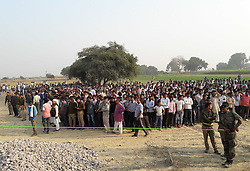 November 20, 2016 - Kanpur: People stand near Rescue work goes on as 14 coaches of the Indore-Patna express derailed, killing around 90 people and injuring 150, in Kanpur Dehat on 20-11-2016. photo by prabhat kumar verma (Credit Image: © Prabhat Kumar Verma via ZUMA Wire)
