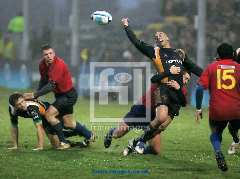 Worcester - Saturday, January 19th, 2008: Dale Rasmussen of Worcester juggles with the ball in the rain, against Bucuresti during the European Challenge match at Worcester. (Pic by Michael Sedgwick/Focus Images)