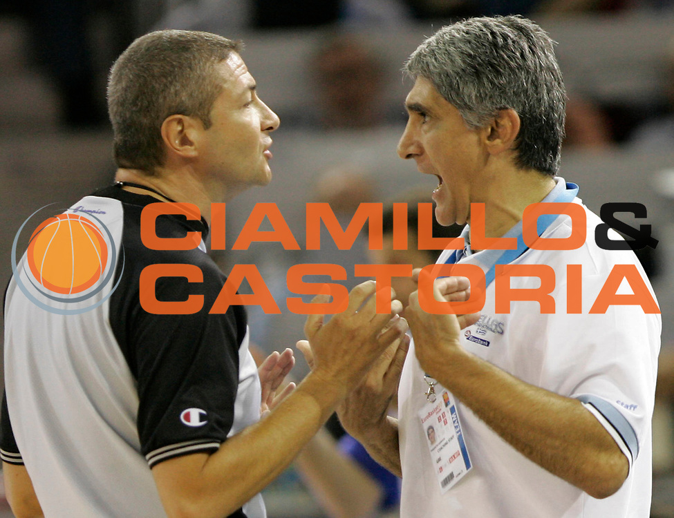 DESCRIZIONE : Madrid Spagna Spain Eurobasket Men 2007 Spagna Grecia Spain Greece <br /> GIOCATORE : Arbitro Referees Panagiotis Yannakis <br /> SQUADRA : Grecia Greece <br /> EVENTO : Eurobasket Men 2007 Campionati Europei Uomini 2007 <br /> GARA : Spagna Grecia Spain Greece <br /> DATA : 07/09/2007 <br /> CATEGORIA : Delusione <br /> SPORT : Pallacanestro <br /> AUTORE : Ciamillo&amp;Castoria/M.Kulbis <br /> Galleria : Eurobasket Men 2007 <br /> Fotonotizia : Madrid Spagna Spain Eurobasket Men 2007 Spagna Grecia Spain Greece <br /> Predefinita :