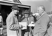 20/091967<br /> 09/20/1967<br /> 20 September 1967<br /> Goffs September Sales at Ballsbridge, Dublin. Picture shows (l-r): Mr Dermot O Brien, Cashel, Co. Tipperary; Mr martin Kelly, Manor House, Carrickmines, Co. Dublin and Mr J.M. Egan, Lake Hotel, Oughterard, Co. Galway.