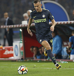 October 21, 2017 - Naples, Campania/Napoli, Italy - Italy- Naples October 21, 2017 A-Serie A football match at the San Paolo Stadium between Naples and Inter..That night they met the first two teams of high class Napoli who is in first place and Inter at second..Already the soccer experts speak of scudetto racing in Italy.Naples..Naples:.Inter:Perisic (Credit Image: © Fabio Sasso/Pacific Press via ZUMA Wire)