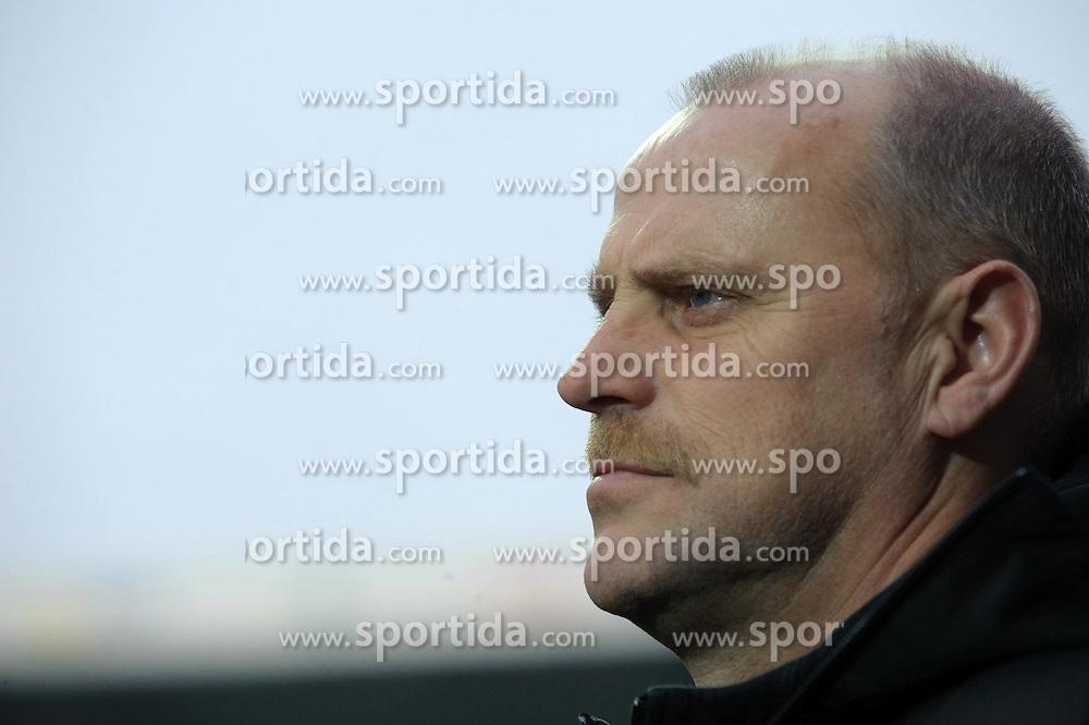 21.02.2010, Weser Stadion, Bremen, GER, 1.FBL, Werder Bremen vs Bayer Leverkusen, im Bild Thomas Schaaf ( Werder  - Trainer  COACH)   EXPA Pictures © 2010, PhotoCredit: EXPA/ nordphoto/ Kokenge / for Slovenia SPORTIDA PHOTO AGENCY.