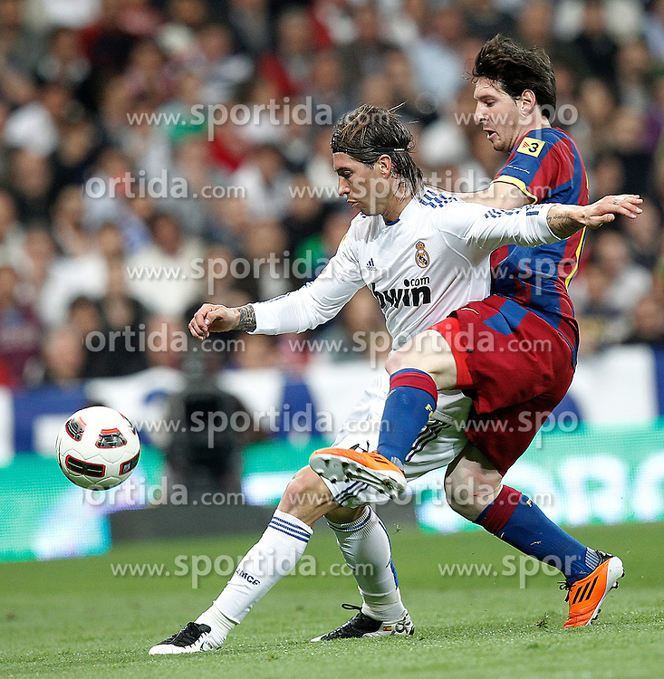 16.04.2011, Estadio Santiago Bernabéu, ESP, La Liga, Real Madrid vs FC Barcelona, im Bild Real Madrid's Sergio Ramos and FC Barcelona's Lionel Messi during la Liga match on April 16th 2011, EXPA Pictures © 2010, PhotoCredit: EXPA/ Alterphotos/ ALFAQUI/ Cesar Cebolla