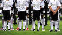 FUSSBALL INTERNATIONAL  Testspiel  31.05.2012  Deutschland - Israel  Einlauf Kinder mit einer Werbung auf dem Trikot, FUSSBALL ABZEICHEN
