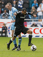 Photo: Steve Bond/Richard Lane Photography.<br />Coventry City v Chelsea. FA Cup 6th Round. 07/03/2009. Ashley Cole (front) robs Stephen Wright