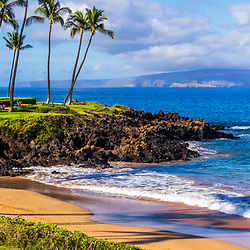 Maui Hawaii Ulua Beach panorama photo in Wailea Makena with Kaho'olawe Island Reserve and the Pacific Ocean. Panoramic photo ratio is 1:3. Copyright ⓒ 2019 Paul Velgos with All Rights Reserved.