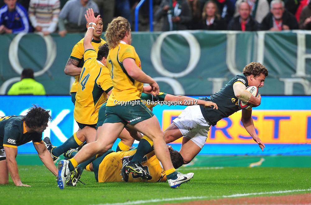 Pat Lambie of South Africa scores a try during the 2014 Castle Lager Rugby Championship game between South Africa and Australia at Newlands, Stadium, Cape Town on 27 September 2014 ©Ryan Wilkisky/BackpagePix