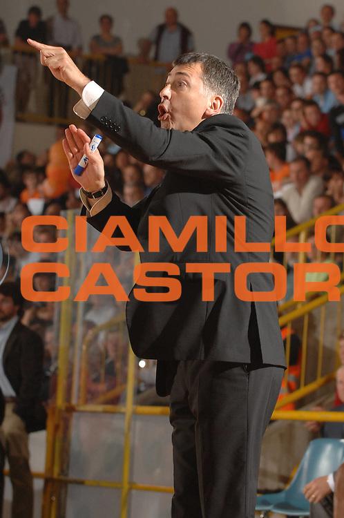 DESCRIZIONE : Napoli Lega A1 Femminile 2007-08 Play Off Finale Gara 3 Famila Wuber Schio Phard Napoli<br /> GIOCATORE : Sandro Orlando<br /> SQUADRA : Famila Wuber Schio<br /> EVENTO : Campionato Lega A1 Femminile 2007-2008<br /> GARA : Famila Wuber Schio Phard Napoli<br /> DATA : 03/05/2008<br /> CATEGORIA : Ritratto<br /> SPORT : Pallacanestro<br /> AUTORE : Agenzia Ciamillo-Castoria/M.Gregolin
