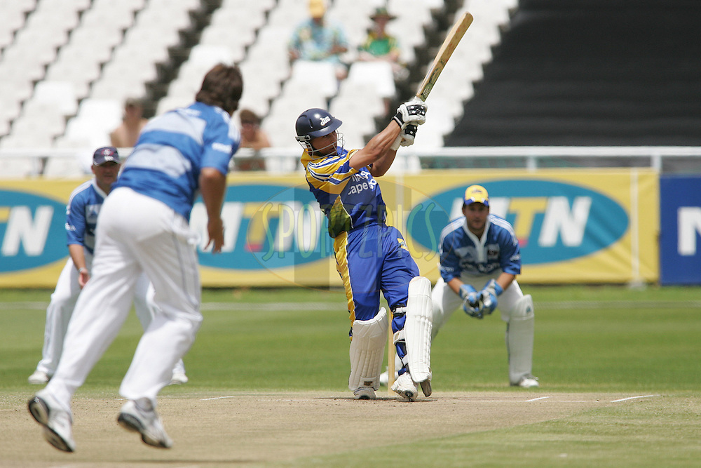 Cape Town, South Africa, Henry Davids batting during The Newlands Charity Challenge between the Nashua Cape Cobras and the Vodacom Stormers held at Sahara Park Newlands, Cape Town on the 3 February 2008..photo by:  RG/Sportzpics.net