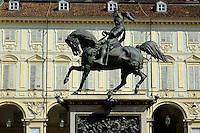 Italie, Piemont, Turin, Piazza San Carlo, statue équestre d'Emmanuel-Philibert de Savoie // Italy, Piedmont, Turin, Piazza San Carlo, Statue of Emanuele Filiberto di Savoia