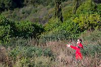ESTEPONA - 05-01-2016, AZ in Spanje 5 januari, Robert Eenhoorn zoekt een bal.