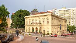 O Theatro São Pedro é o mais antigo da cidade de Porto Alegre e está localizado na Praça da Matriz, no centro da cidade. Em estilo neoclássico foi inaugurado em 27 de junho de 1858, com capacidade para 700 espectadores. FOTO: Jefferson Bernardes/Preview.com