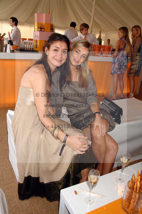 Left to right, SOPHIE COCKERTON and Singer LOUISE REDNAPP at the final of the Veuve Clicquot Gold Cup 2007 at Cowdray Park, West Sussex on 22nd July 2007.<br /><br />NON EXCLUSIVE - WORLD RIGHTS