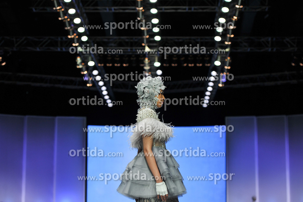A model presents a creation by designer Ivan Gunawan during the Indonesian Fashion Week 2015 at Jakarta Convention Center in Jakarta, Indonesia, Feb. 26, 2015. Indonesian Fashion Week 2015 is held from Feb. 26 to March 1. EXPA Pictures &copy; 2015, PhotoCredit: EXPA/ Photoshot/ Veri Sanovri<br /> <br /> *****ATTENTION - for AUT, SLO, CRO, SRB, BIH, MAZ only*****