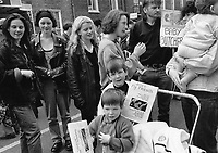 Pro-Life Supporters, Molesworth Street, opposite Dail. Sunday Tribune. 5/5/92. (Part of the Independent Newspapers Ireland/NLI Collection)