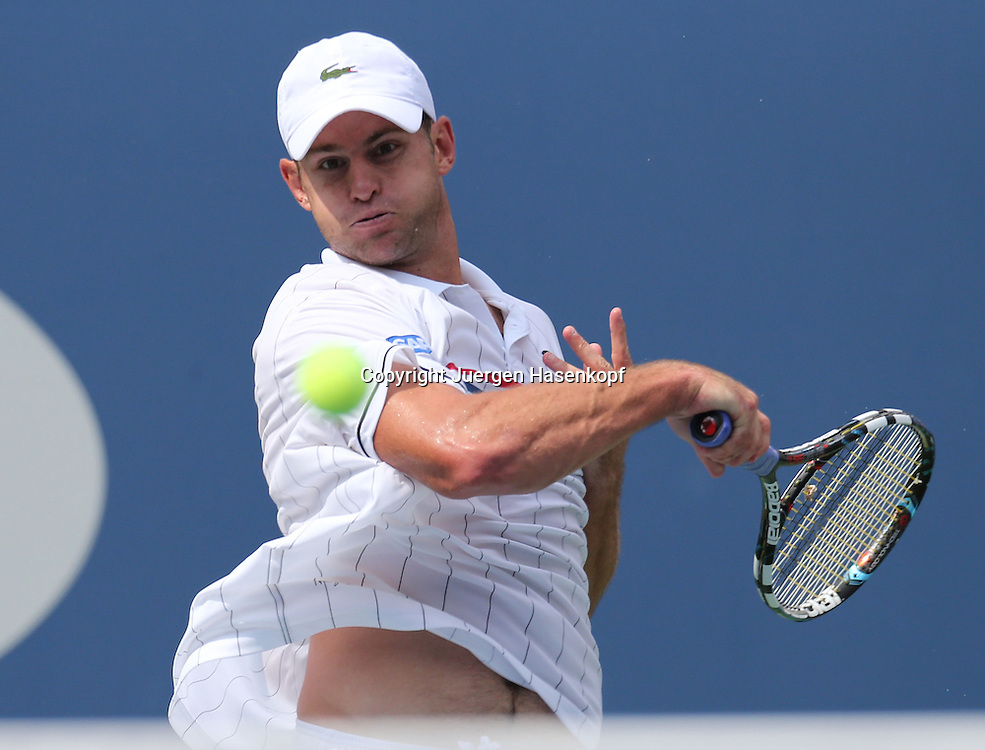 US Open 2012, USTA Billie Jean King National Tennis Center, Flushing Meadows, New York,.ITF Grand Slam Tennis Tournament,.Andy Roddick (USA),.Aktion,Einzelbild,Querformat,Halbkoerper,