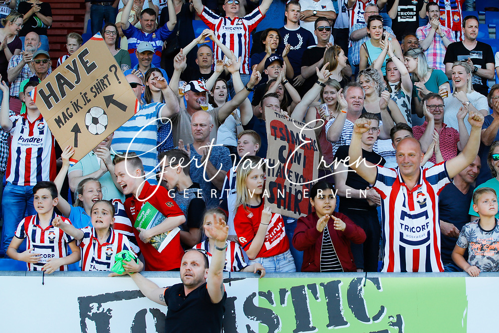 Supporters of Willem II for *Tom Haye* of Willem II, *Kostas Tsimikas* of Willem II