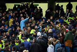 15.02.2014, Etihad Stadion, Manchester, ESP, FA Cup, Manchester City vs FC Chelsea, Achtelfinale, im Bild Manchester City and Chelsea supporters clash at the final whistle // during the English FA Cup Round of last 16 Match between Manchester City and FC Chelsea at the Etihad Stadion in Manchester, Great Britain on 2014/02/15. EXPA Pictures © 2014, PhotoCredit: EXPA/ Propagandaphoto/ David Rawcliffe<br /> <br /> *****ATTENTION - OUT of ENG, GBR*****