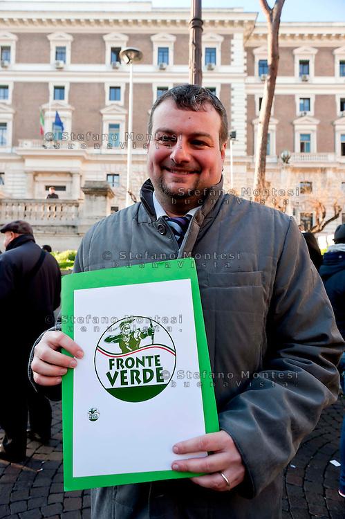 Roma, 11 Gennaio 2013.In fila per depositare i simboli dei partiti al ministero dell'Interno  in vista del voto..La lista Fronte Verde.