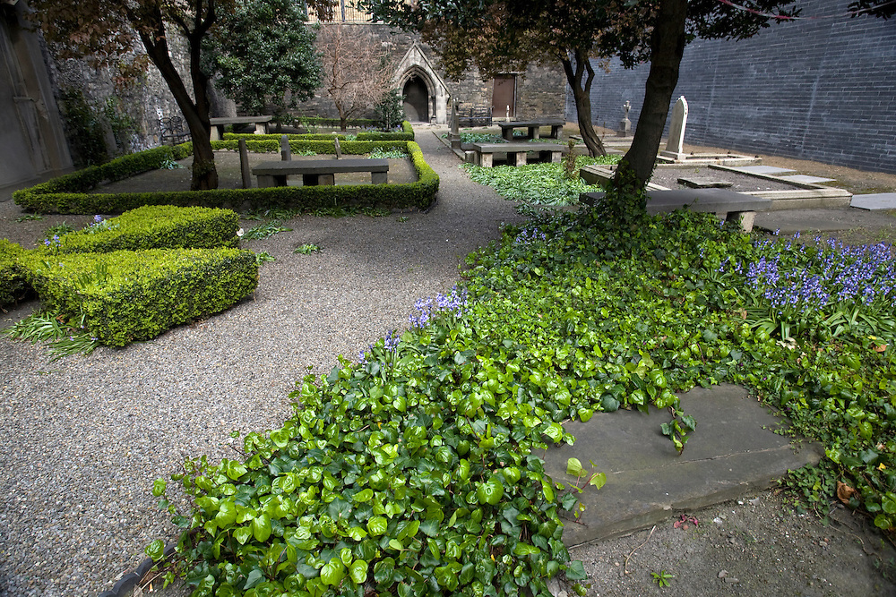 Huguenot Cemetery, Merrion Row, off St. Stephen's Green, Dublin, dating to 1693, where some 239 Huguenot exiles and their descendants are buried.
