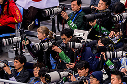22-02-2018 KOR: Olympic Games day 13, PyeongChang<br /> Short Track Speedskating / Media fotograaf fotografen canon nikon