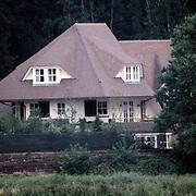 Oude woning John de Mol Jr.in Naarden aan de Meentweg 16 zijde rijksweg