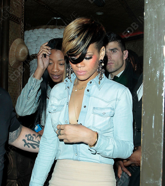 10.MAY.2010 - LONDON<br /> <br /> RIHANNA LEAVING MAHIKI NIGHTCLUB IN MAYFAIR IN THE EARLY HOURS OF THE MORNING BEFORE RETURNING TO HER LONDON HOTEL<br /> <br /> BYLINE: EDBIMAGEARCHIVE.COM<br /> <br /> *THIS IMAGE IS STRICTLY FOR UK NEWSPAPERS &amp; MAGAZINES ONLY*<br /> *FOR WORLDWIDE SALES &amp; WEB USE PLEASE CONTACT EDBIMAGEARCHIVE-0208 954 5968*