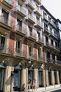Historische Fassaden im Stadtzentrum, Donostia-San Sebastián, Gipuzkoa, Baskenland, Spanien | Historic facades in the city center, San Sebastián, Gipuzkoa, Basque Country, Spain