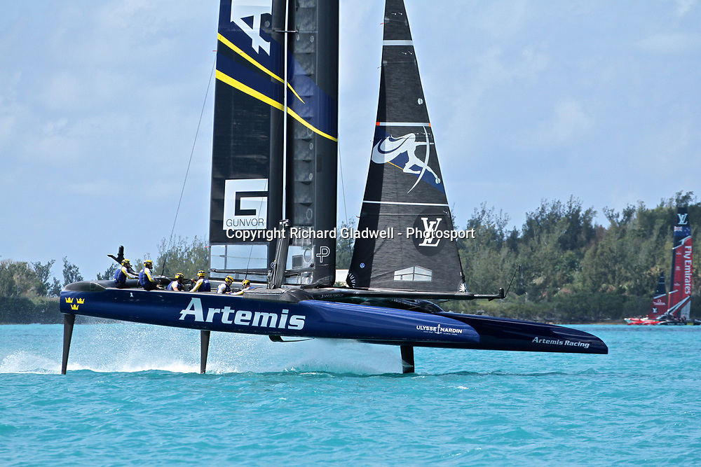 Race 10 - Artemis racing leads Oracle Team USA at Mark 1  - 35th America's Cup - Bermuda  May 28, 2017 . Copyright Image: Richard Gladwell / Sail World / www.photosport.nz