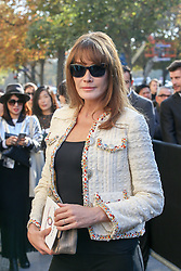 Carla Bruni Sarkozy bei der Chanel Modenschau während der Paris Fashion Week / 041016<br /> <br /> ***Chanel fashion show as part of Paris Fashion Week on october 04, 2016 in Paris***