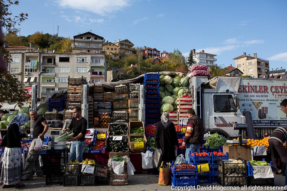 The Saturday market in Inebolu.