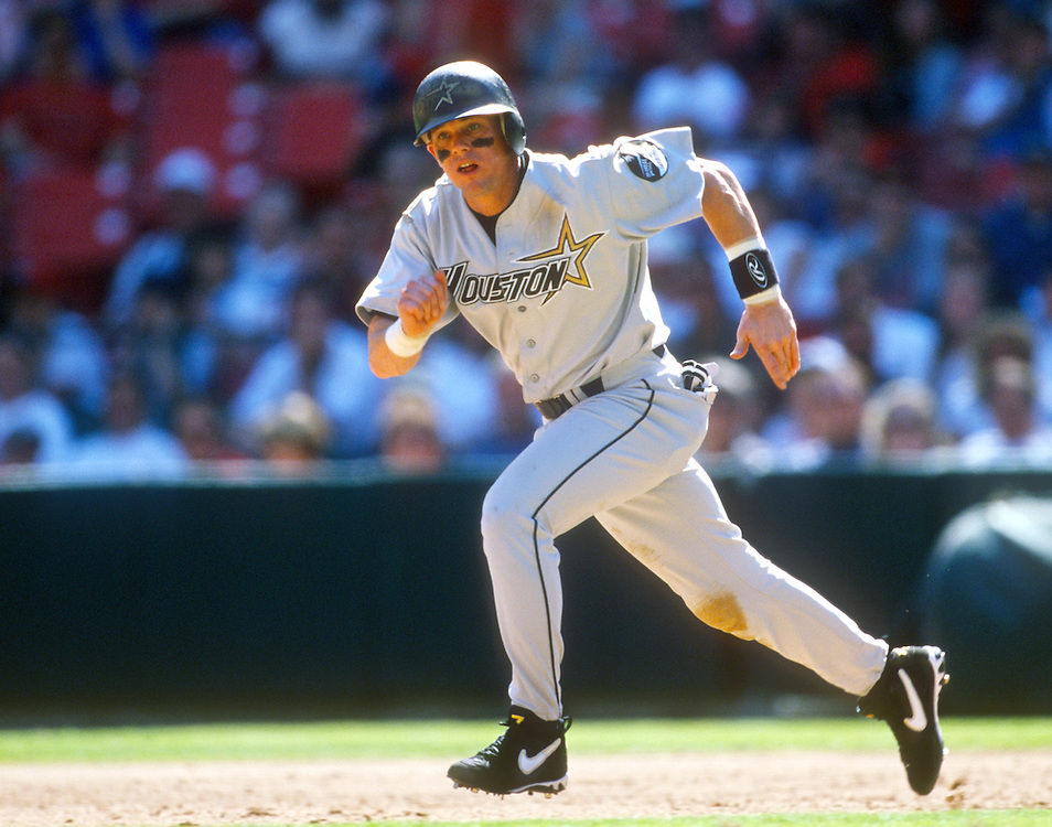 ST. LOUIS - UNDATED:  Craig Biggio of the Houston Astros runs the bases during an MLB game versus the St. Lois Cardinals at Busch Stadium in St. Louis, Missouri.  Biggio played for the Astros from 1988-2007.  (Photo by Ron Vesely)  Subject:  Craig Biggio