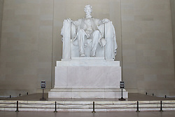 THEMENBILD - Die Statue des sitzenden Lincoln ist 5,80 Meter hoch. Reisebericht, aufgenommen am 12. Jannuar 2016 in Washington D.C. // The statue of a seated Lincoln is 5.80 meters tall. Travelogue, Recorded January 12, 2016 in Washington DC. EXPA Pictures © 2016, PhotoCredit: EXPA/ Eibner-Pressefoto/ Hundt<br /> <br /> *****ATTENTION - OUT of GER*****