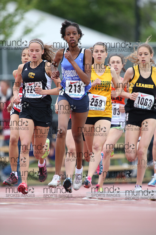 Roshae Jackson of Bramalea SS - Brampton competes in the 800m heats at the 2013 OFSAA Track and Field Championship in Oshawa Ontario, Thursday,  June 6, 2013.<br /> Mundo Sport Images / Sean Burges