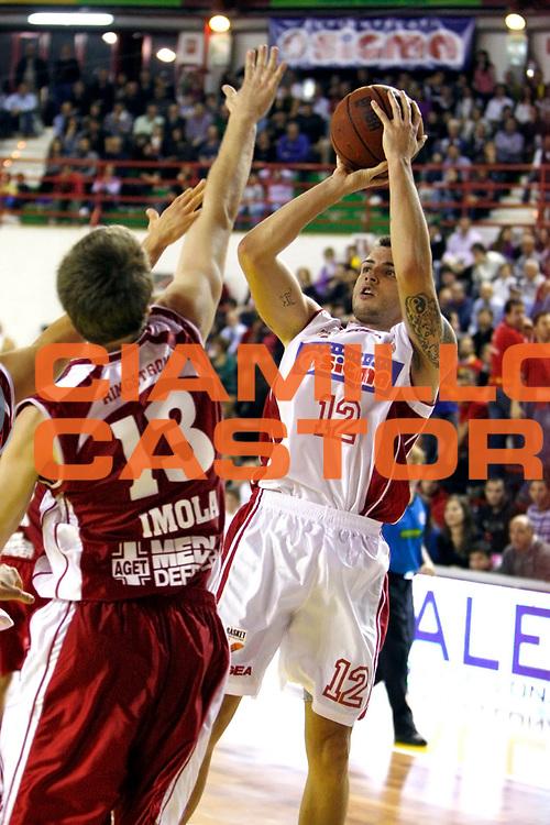 DESCRIZIONE : Barcellona Pozzo di Gotto Campionato Lega Basket A2 2010-11 Sigma Barcellona Aget Imola<br /> GIOCATORE : Ryan Bucci<br /> SQUADRA : Sigma Barcellona<br /> EVENTO : Campionato Lega Basket A2 2010-2011<br /> GARA : Sigma Barcellona Aget Imola<br /> DATA : 07/11/2010<br /> CATEGORIA : Tiro<br /> SPORT : Pallacanestro <br /> AUTORE : Agenzia Ciamillo-Castoria/G.Pappalardo<br /> Galleria : Lega Basket A2 2010-2011 <br /> Fotonotizia : Barcellona Pozzo di Gotto Campionato Lega Basket A2 2010-11 Sigma Barcellona Aget Imola<br /> Predefinita :