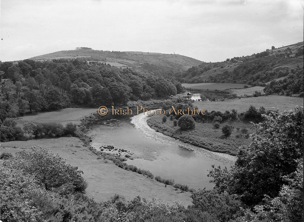 01/06/1952<br /> 06/01/1952<br /> 01 June 1952<br /> Proposed site of dam on the River Lee at Inniscarra, <br /> Co. Cork