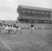 All Ireland Senior Football Championship Final, Louth v Cork .22.09.1957, 09.22.1957, 22st September 1957, ..Louth 1-09 Cork 1-07, ..22091957AISFCF, ALL IRELAND GAELIC SENIOR FOOTBALL FINAL BETWEEN LOUTH AND CORK IN CROKE PARK ON SEPTEMBER 21ST 1957, LOUTH WON THE SAM MAGUIRE CUP 1-9 TO 1-7,..RESCAN/ Check.is this originally a square negative?.