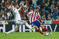 Real Madrid´s Sergio Ramos and Atletico de Madrid´s Fernando Torres during Spanish King´s Cup match at Santiago Bernabeu stadium in Madrid, Spain. January 15, 2015. (ALTERPHOTOS/Victor Blanco)