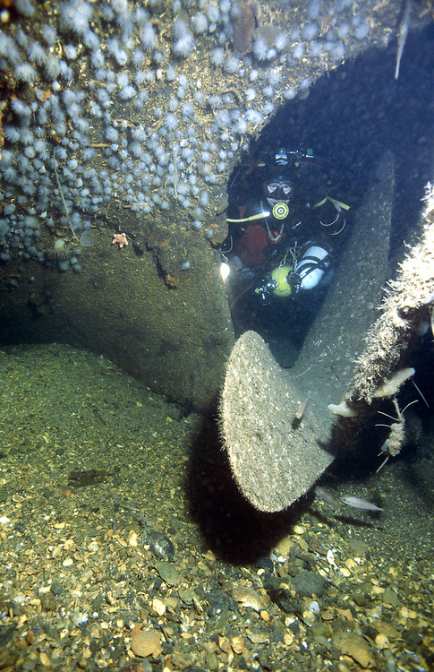 A technical diver and the propeller of D/S Sandeid. Location: Norway