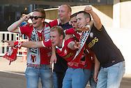 MILAAN, AC Milan - PSV, voetbal, kwalificatie Champions League, seizoen 2013-2014, 28-08-2013, Giuseppe Meazza San Siro, de eerste PSV fans komen het stadion in.