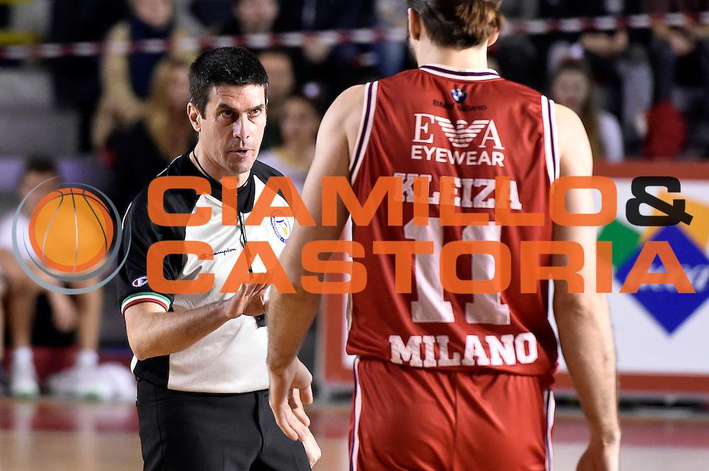 DESCRIZIONE : Roma Lega A 2014-2015 Acea Roma EA7 Emporio Armani Milano<br /> GIOCATORE : arbitro<br /> CATEGORIA : arbitro<br /> SQUADRA : arbitro<br /> EVENTO : Campionato Lega A 2014-2015<br /> GARA : Acea Roma EA7 Emporio Armani Milano<br /> DATA : 21/12/2014<br /> SPORT : Pallacanestro<br /> AUTORE : Agenzia Ciamillo-Castoria/Max.Ceretti<br /> GALLERIA : Lega Basket A 2014-2015<br /> FOTONOTIZIA : Roma Lega A 2014-2015 Acea Roma EA7 Emporio Armani Milano<br /> PREDEFINITA :