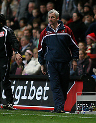 LONDON, ENGLAND - Friday, March 21, 2008: Charlton Athletic's manager Alan Pardew against West Bromwich Albionduring the League Championship match at the Valley. (Photo by Chris Ratcliffe/Propaganda)