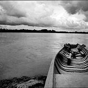 DAILY VENEZUELA.Apure River / Rio Apure.San Vicente.Apure State - Venezuela 2002. .(Copyright © Aaron Sosa)