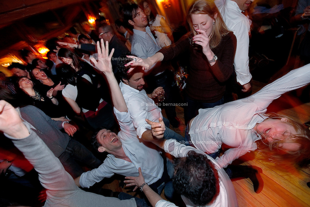 "Italy, Madonna di Campiglio, nightlife at the ""desalpes"" pianobar"