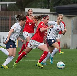 10.04.2016, Vorwärts Stadion, Steyr, AUT, UEFA Frauen EM Qualifikation, Oesterreich vs Norwegen, Gruppe 8, im Bild v.l. Sarah Zadrazil (AUT) und Lene Mykjaland (NOR) // f.l.t.r. Sarah Zadrazil of Austria and Lene Mykjaland (NOR) during womens UEFA Euro qualifier, group 8 match between Austria and Norway at the Vorwärts Stadion in Steyr, Austria on 2016/04/10. EXPA Pictures © 2016, PhotoCredit: EXPA/ Reinhard Eisenbauer